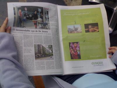 Publicidad contextual el domingo en El Pais (en papel)